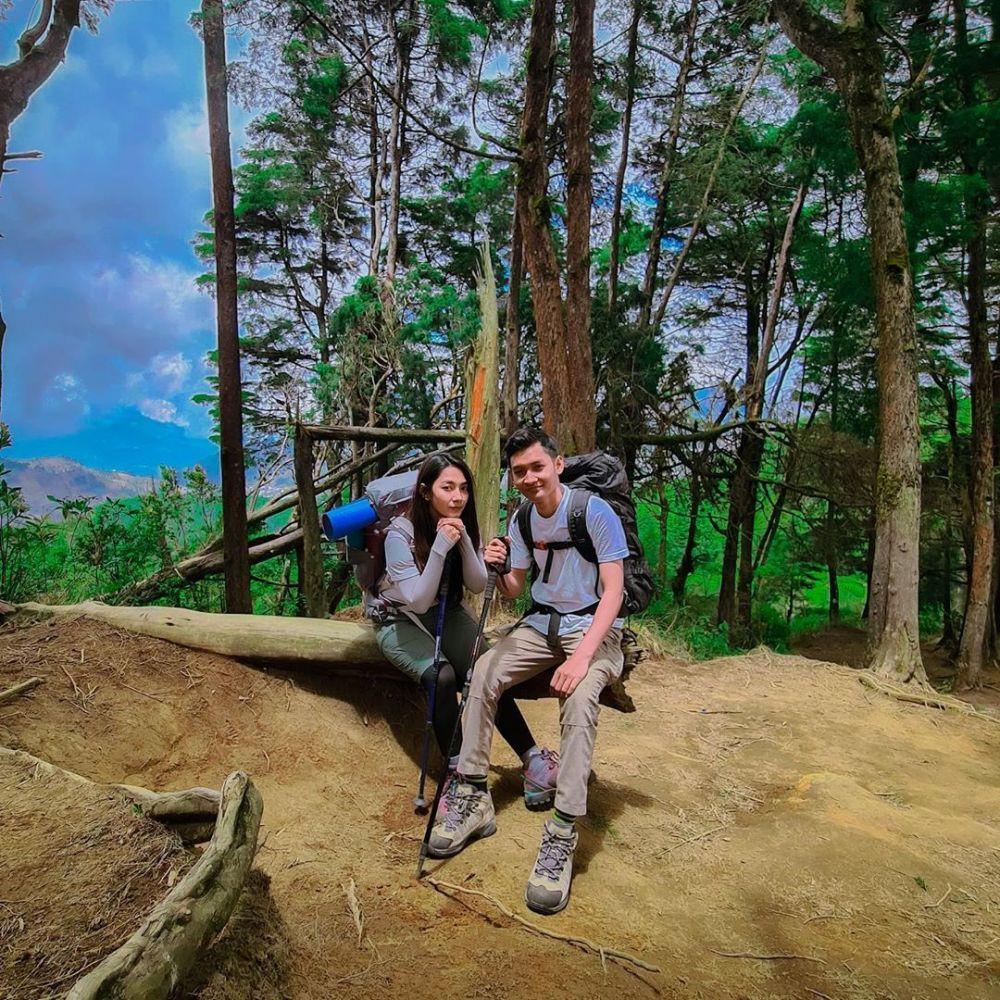 Potret Dinda Kirana daki gunung © 2020 brilio.net