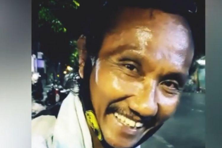 Viral video penjual bubur di Surabaya fasih berbahasa Jepang