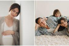 8 Potret maternity Sabai Morscheck & Ringgo Agus, simpel tapi elegan