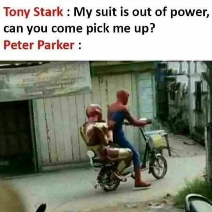 Pengendara pakai kostum superhero Berbagai sumber