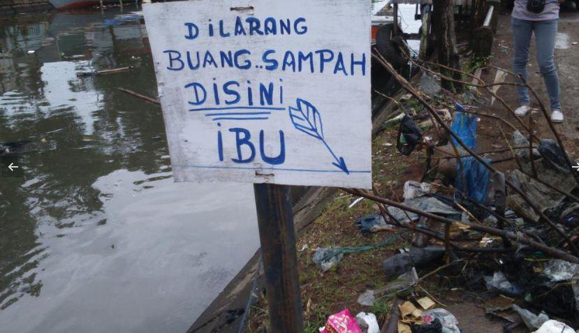 Spanduk lucu sampah Berbagai sumber