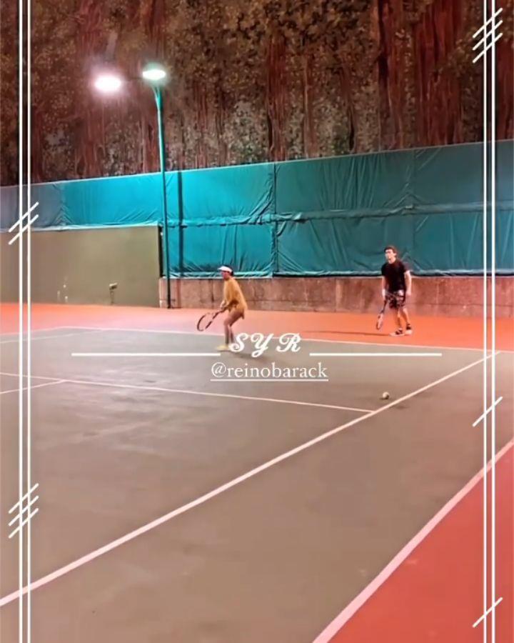 lapangan tenis Syahrini Instagram