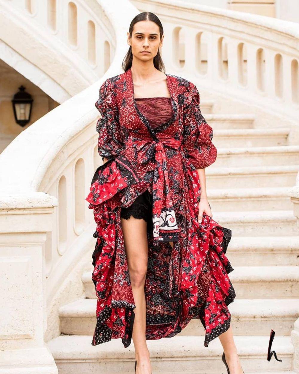 Potret outfit batik khas Lasem © 2020 brilio.net