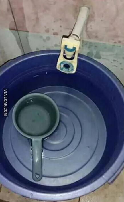 potret aneh keran air  Berbagai Sumber