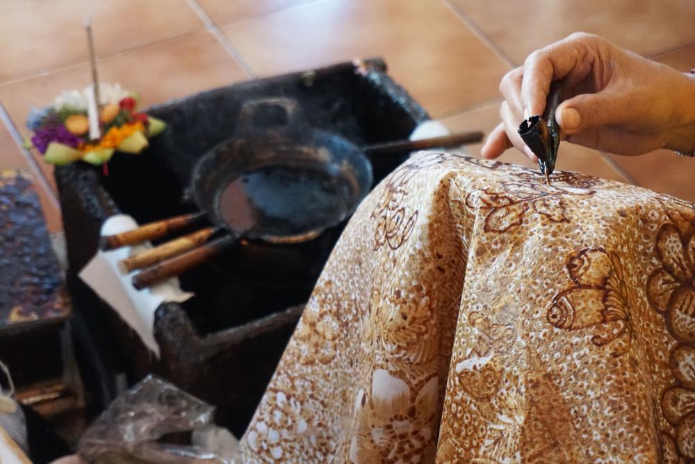 5 Item favorit turis luar negeri di Kuta Art Market, batik Bali diburu berbagai sumber