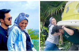 10 Momen seru liburan Elly Sugigi bareng kekasih, curi perhatian