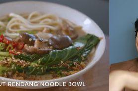 Aksi Erwan Heussaff masak sajian Indonesia ala menu fine dining