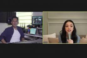 Momen seru belajar nyanyi virtual bareng Naura di Kelas Kreatif HP
