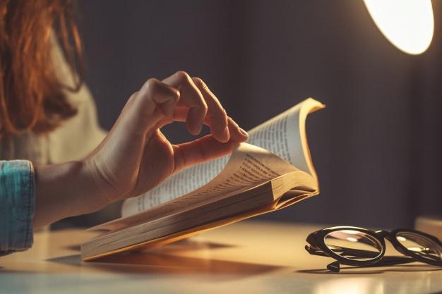 Kata-kata mutiara tentang buku © freepik.com