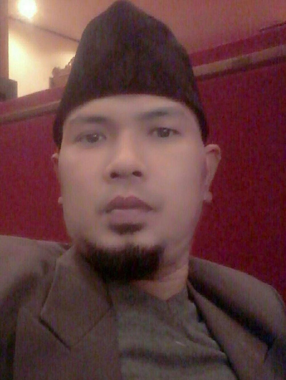 ahmad choky Berbagai sumber