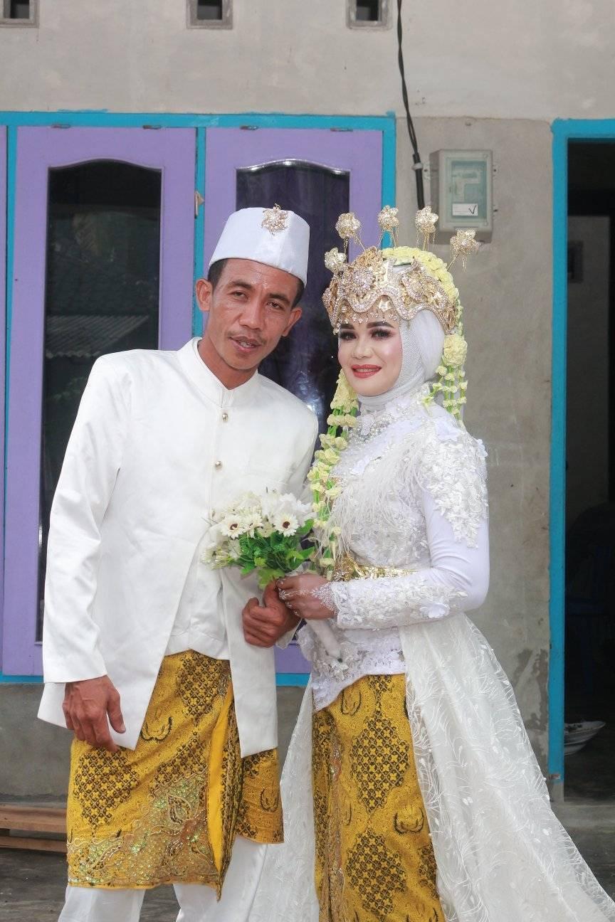 pengantin mirip Presiden Jokowi © Facebook