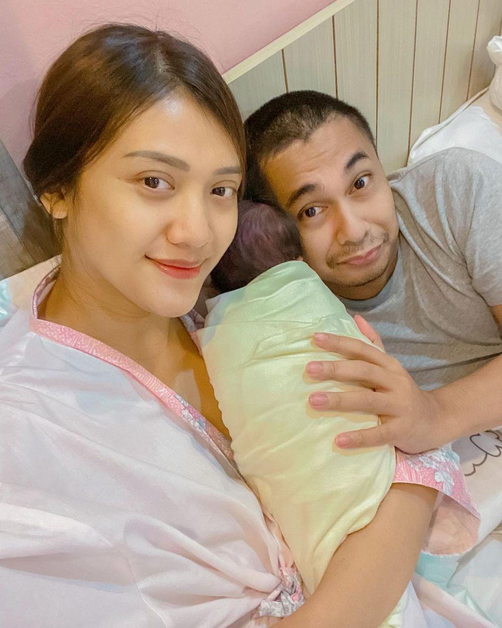 Cerita kelahiran anak kedua Raditya Dika © Instagram