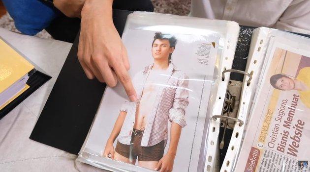Christian Sugiono jadi model majalah © YouTube