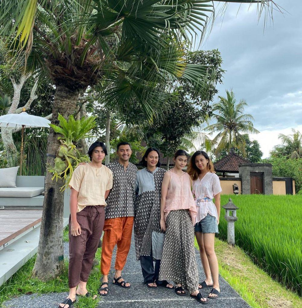 pemotretan keluarga Anjasmara di Bali © Instagram