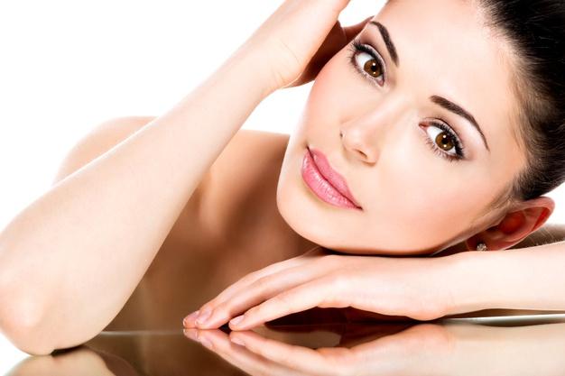 Manfaat infused water untuk kecantikan freepik.com