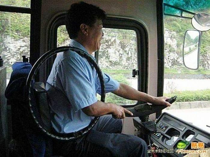 potret absurd di angkutan umum Berbagai sumber