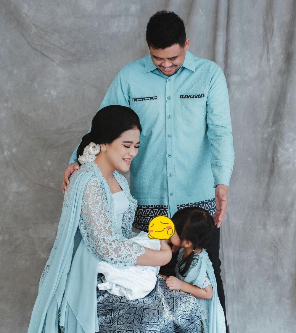 pemotretan keluarga Kahiyang berbagai tema © Instagram