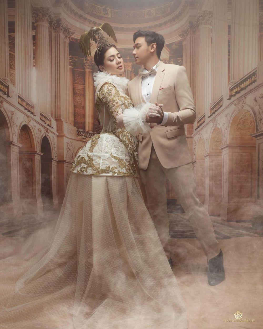 Prewedding elegan Caesar Hito & Felicya © Instagram