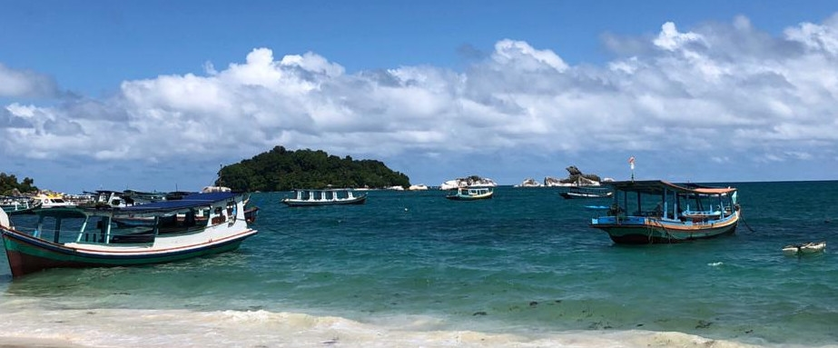 Sensasi island hopping di Pulau Belitung, spot bebatuan Instagramable