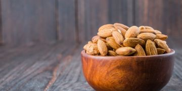 7 Manfaat kacang almond untuk kecantikan, meredakan jerawat