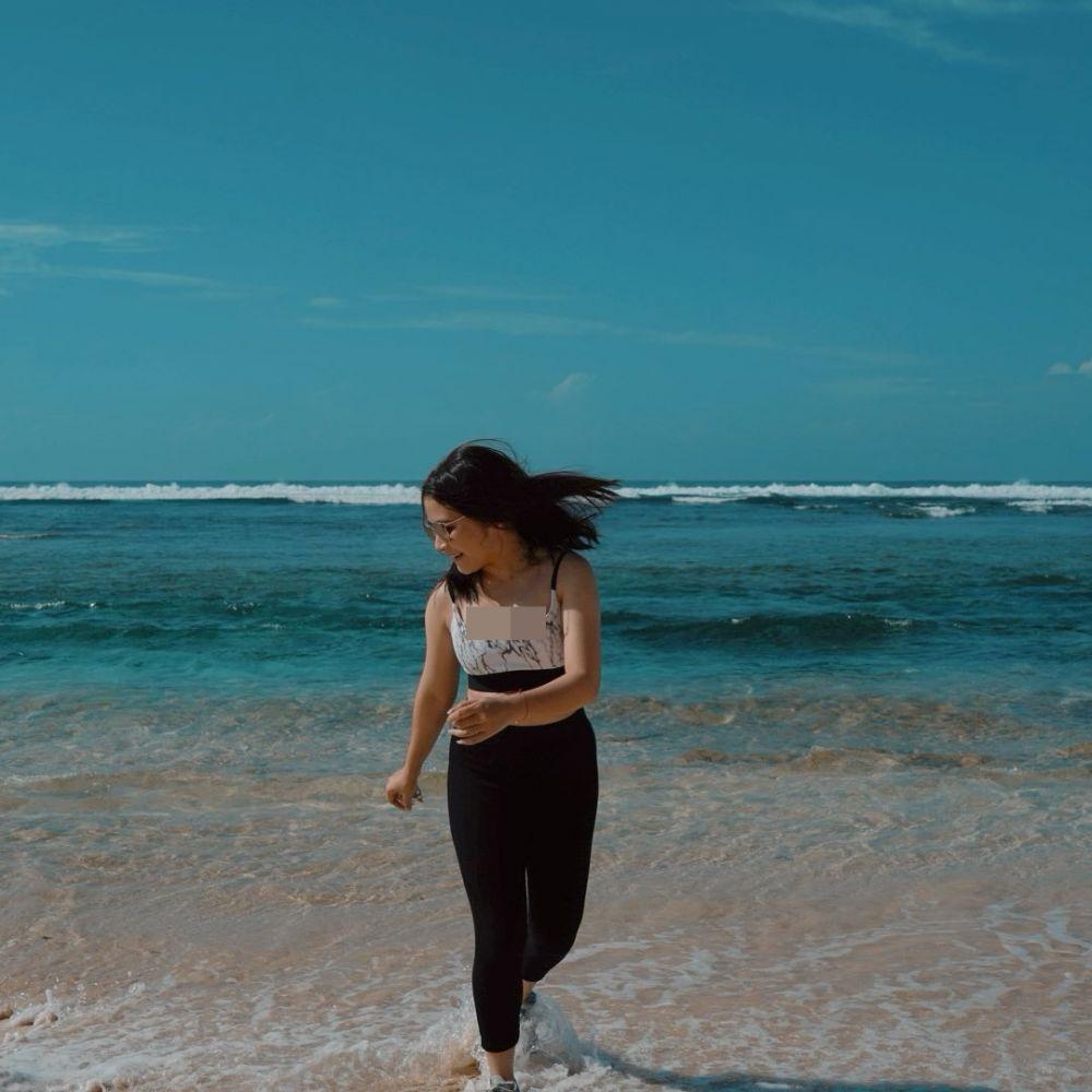 Potret liburan Prilly Latuconsina © Instagram