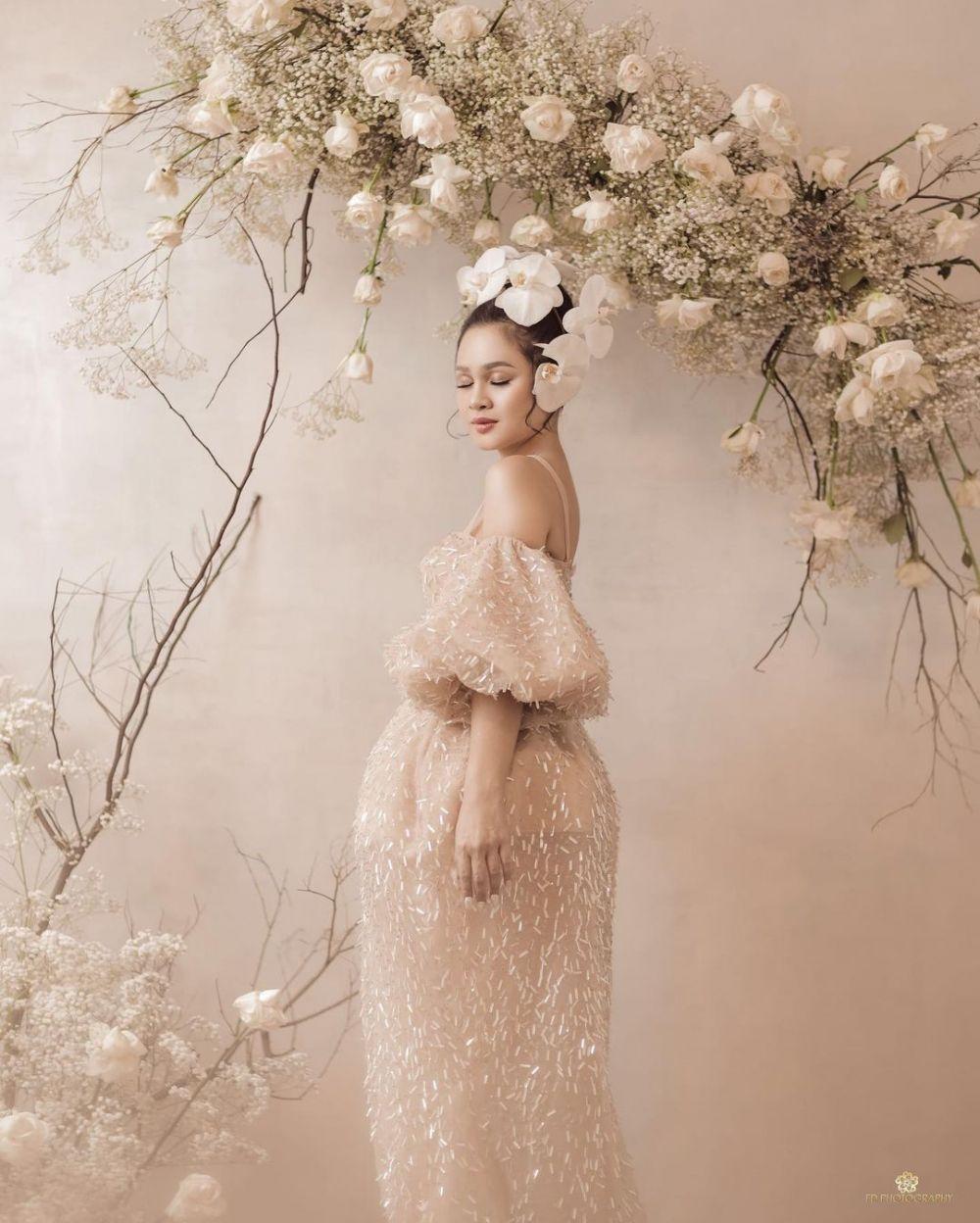 Andien potret floral © Instagram