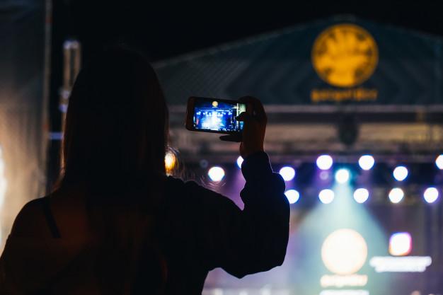 Cara mendapatkan foto keren di malam hari freepik.com