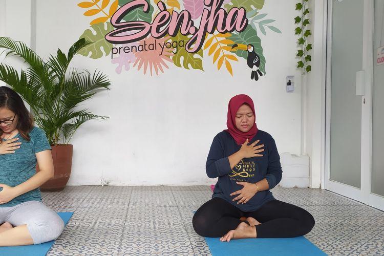 Mereka Yang Mengaku Sehat Luar Dalam Dengan Olahraga Yoga Saat Pa