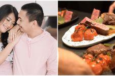Momen 5 seleb undang chef pribadi untuk dinner di rumah, mewah abis