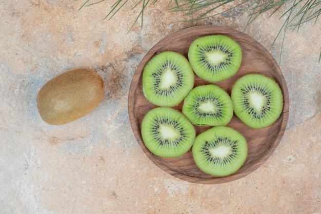 Manfaat kiwi untuk kesehatan © freepik.com