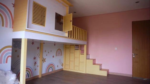 kamar anak Nisya Ahmad © YouTube