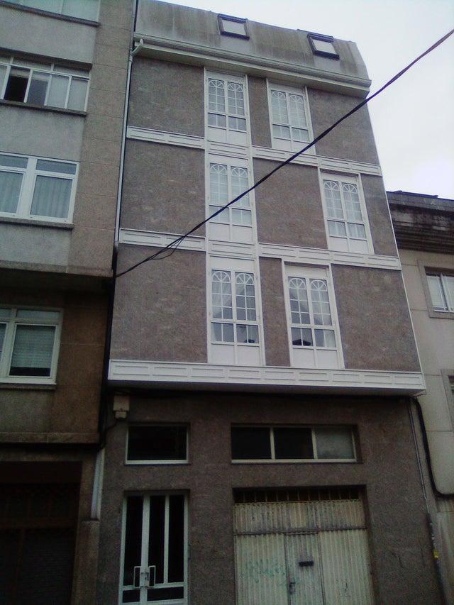 jendela rumah tingkat © Berbagai sumber