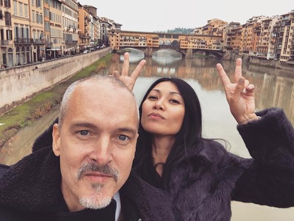 penyanyi dan pasangan bule © Instagram