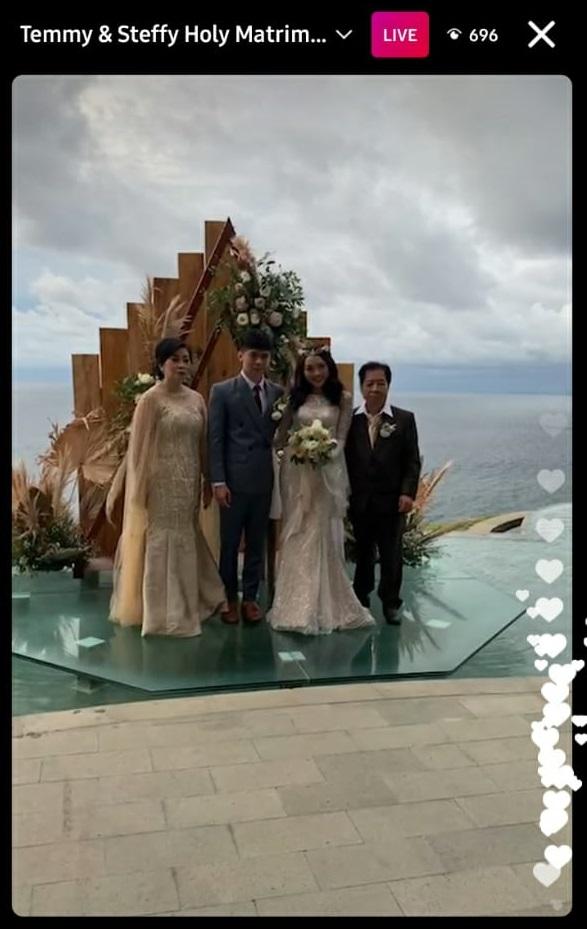 pernikahan Steffy eks Cherrybelle © Instagram