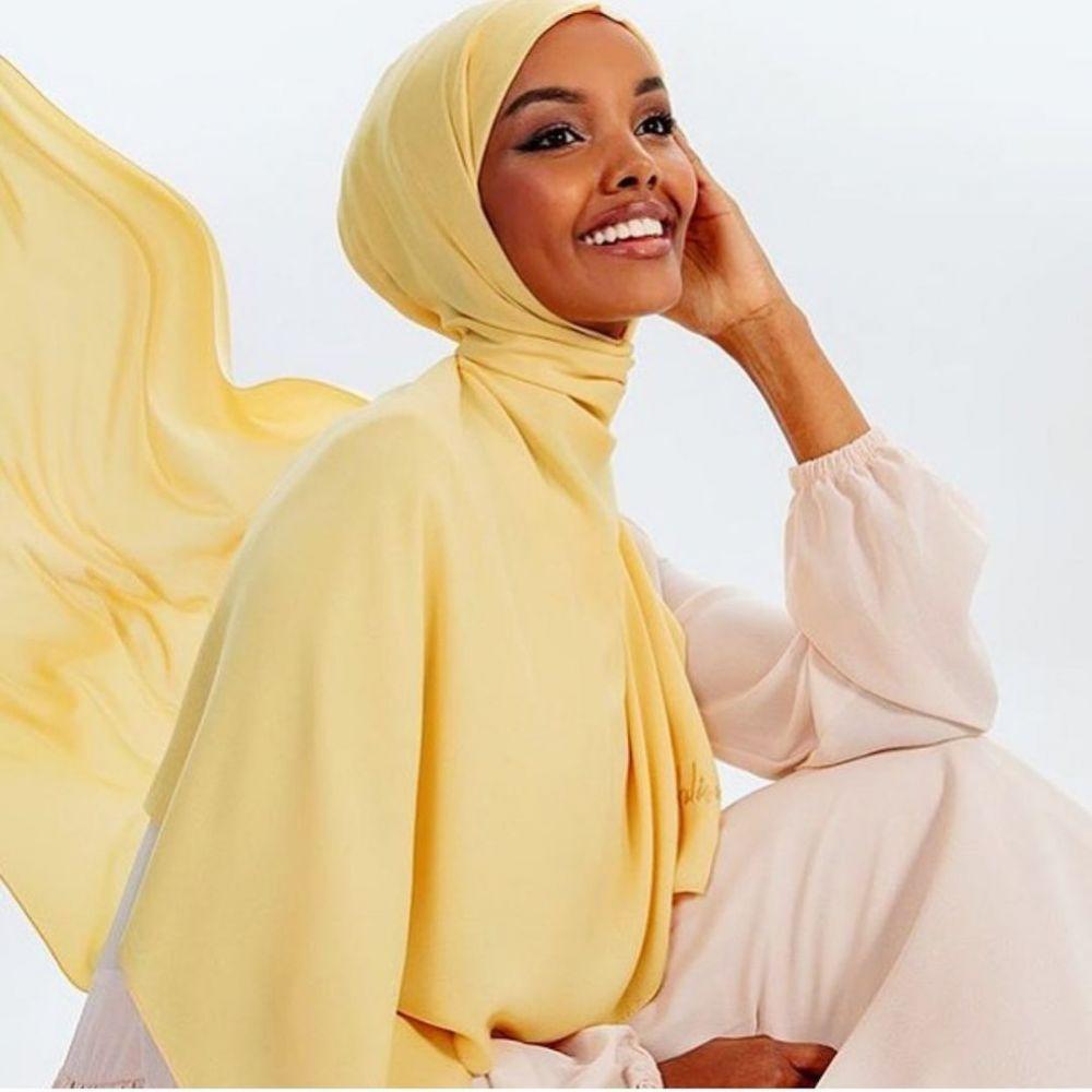 Halima Aden model yang pensiun © Instagram