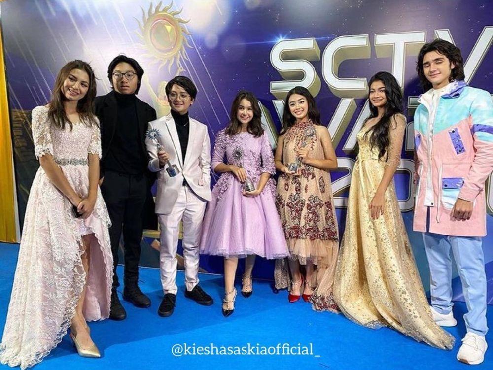 Gaya seleb di SCTV Awards 2020 © Instagram
