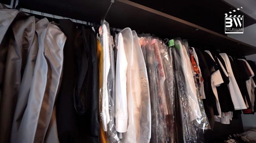 walk in closet Indra © YouTube