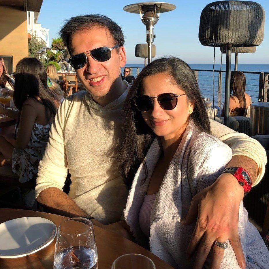 Manoj Punjabi dan istri  Instagram