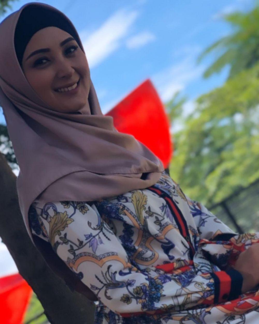 Potret Della Puspita pakai hijab © 2020 brilio.net/ Instagram