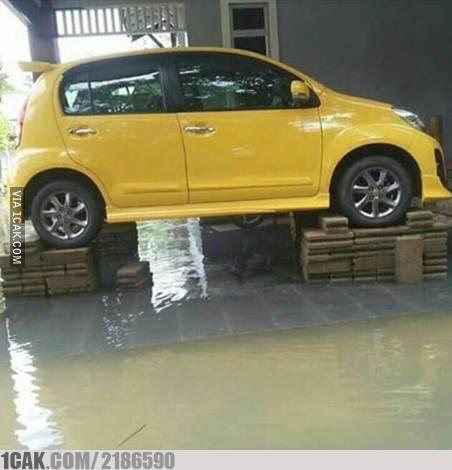 aksi kreatif hadapi banjir © Berbagai Sumber