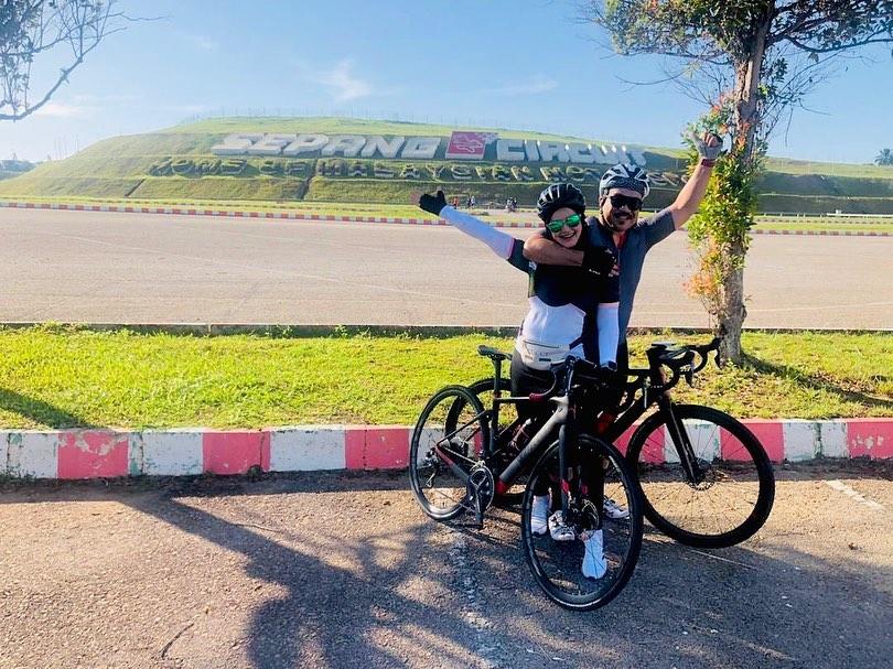 Siti Nurhaliza saat bersepeda © 2020 Instagram