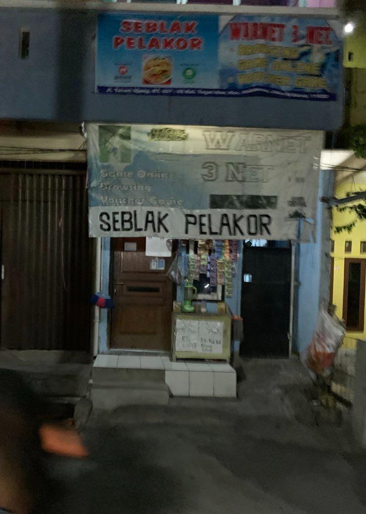 nama toko kelontong lucu © Twitter