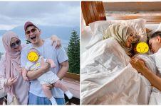 10 Momen resepsi kedua Citra Kirana & Rezky Aditya, serba putih
