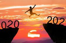 7 Resolusi simpel 2021 untuk hidup lebih sehat, cuma butuh 30 menit!