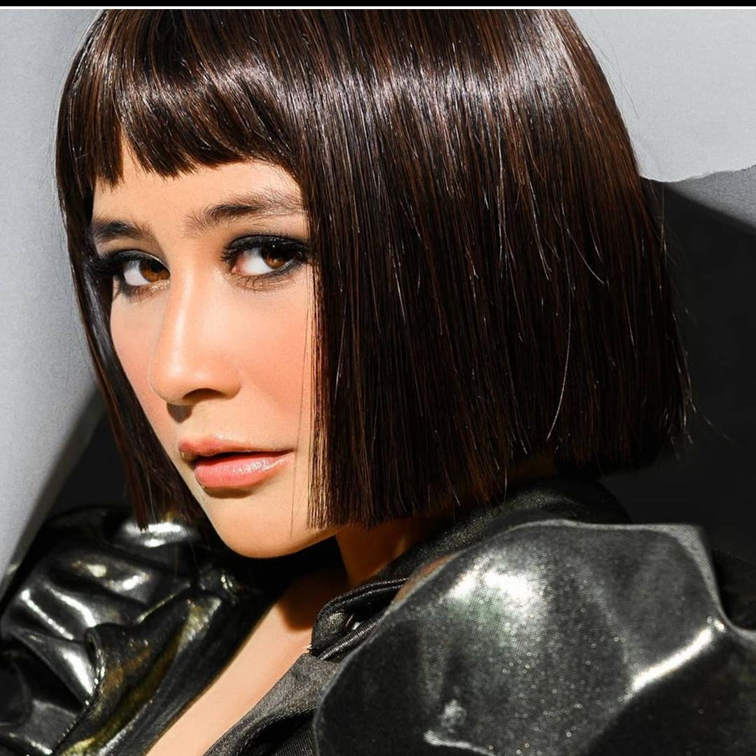 8 Momen Prilly Latuconsina pemotretan untuk lagu barunya