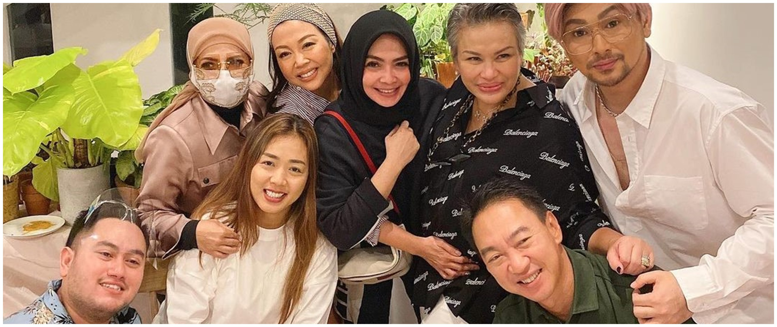 5 Momen Soimah kumpul bareng geng Rieta Amilia, curi perhatian
