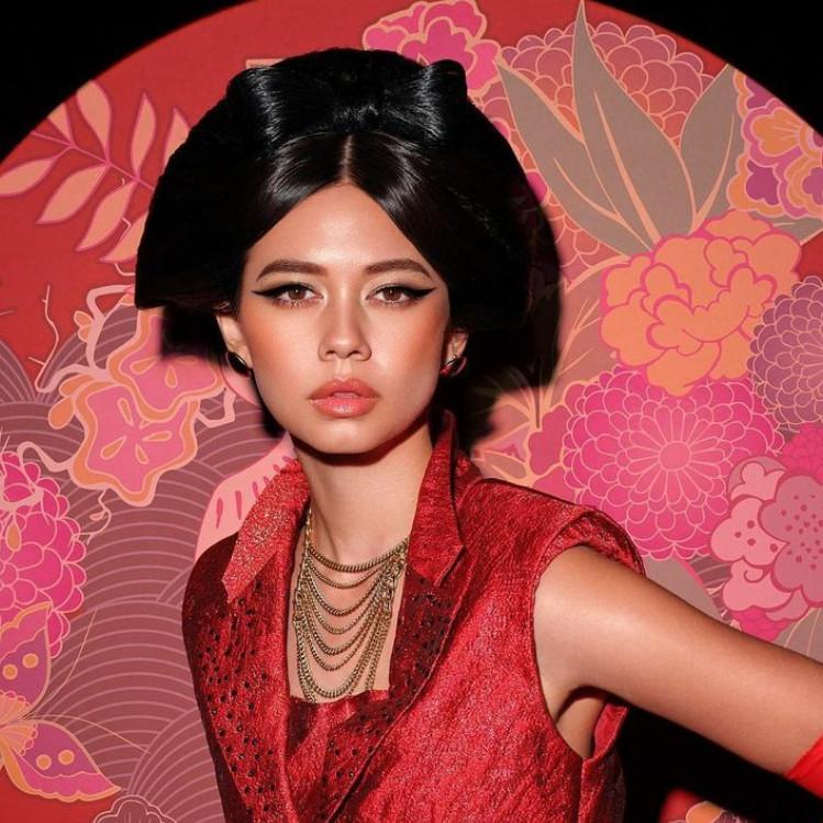 10 Gaya pemotretan Yuki Kato dengan berbagai tema, memesona abis