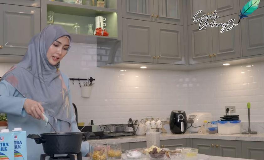 dapur milik presenter © berbagai sumber