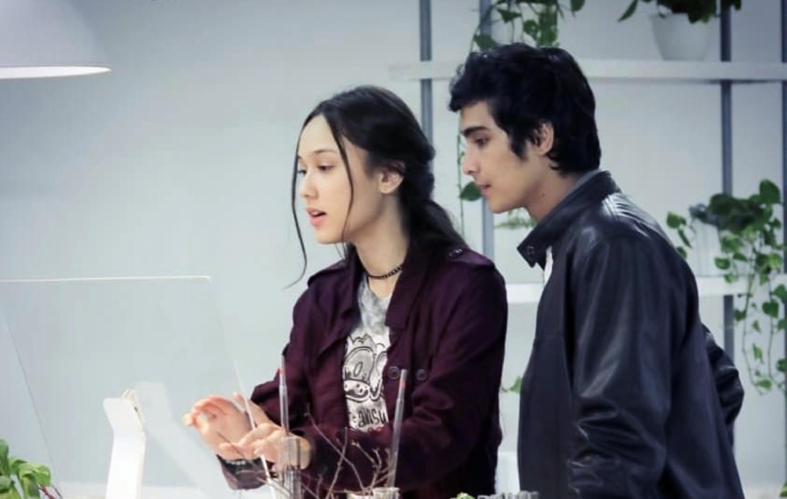 Nih film yang menggambarkan Indonesia di tahun 2045, ada hacker cantik