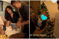 10 Momen Nikita Willy bareng baby Athar, belajar gantikan popok